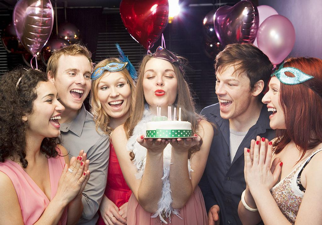 лучшее поздравление ресторана с днем рождения магической силой, дарит