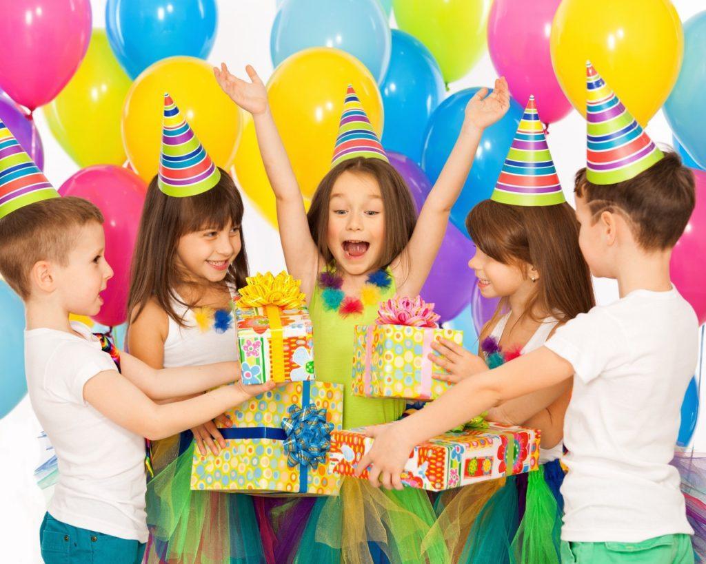 Дети в день рождения картинки